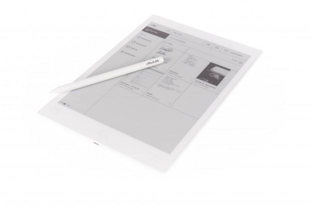 Das Tablet wird mit einem passiven Stift ausgeliefert. (Bild: Martin Wolf/Golem.de)