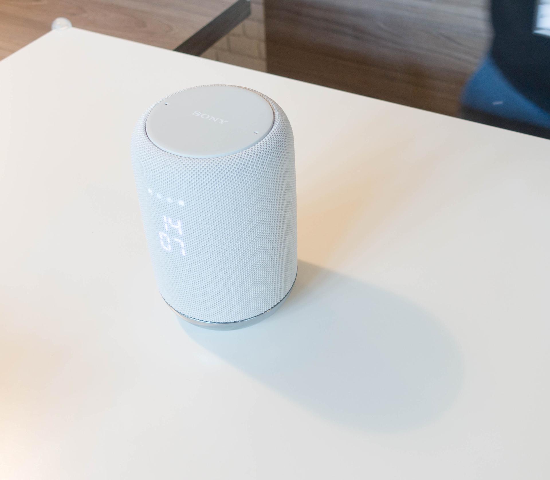 Alexa und Google Assistant: Der Wettkampf smarter Lautsprecher verändert sich - Sony LF-S50G (Bild: Ingo Pakalski/Golem.de)