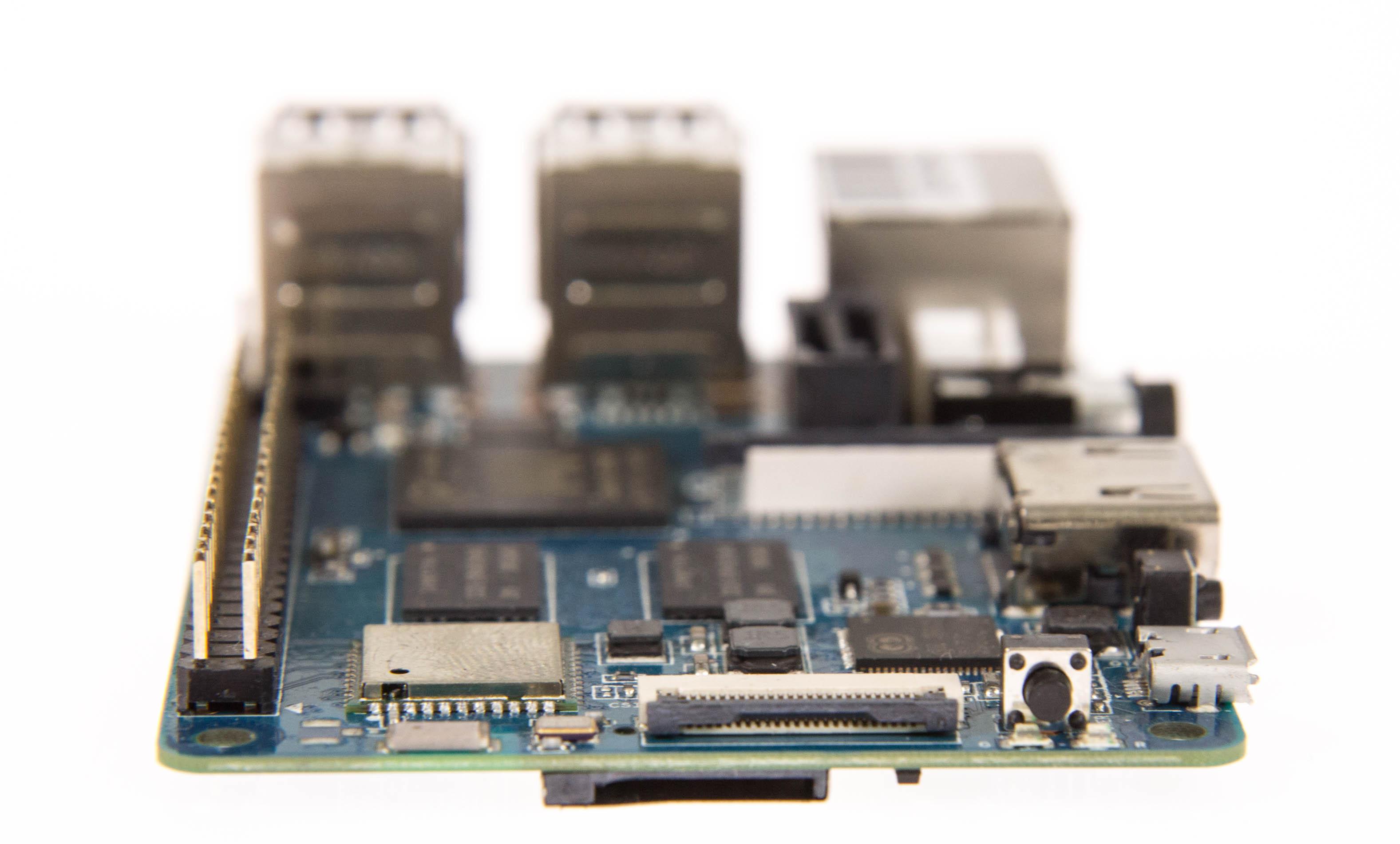 Banana Pi M2 Berry: Per SATA wird der Raspberry Pi attackiert -