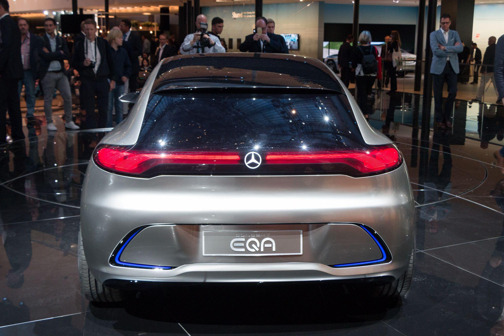 Concept EQA: Mercedes elektrifiziert die Kompaktklasse - Das Auto soll 2020 auf den Markt kommen. (Foto: Werner Pluta/Golem.de)