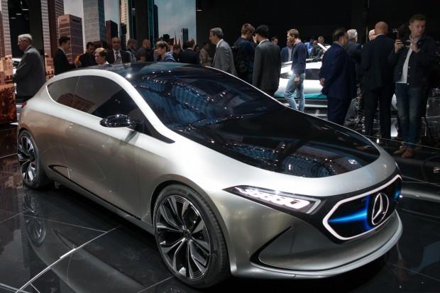 Concept EQA af der IAA 2017: So soll Daimlers elektrische Kompaktklasse in Zukunft aussehen. (Foto: Werner Pluta/Golem.de)