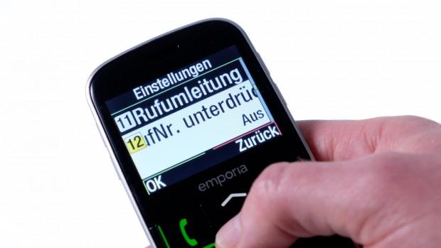 Mit großgesteller Schrift passen die Texte kaum mehr auf das Display des Euphoria 3G. (Bild: Michael Wieczorek/Golem.de)