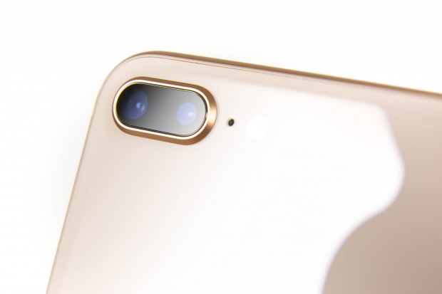 Wie beim iPhone 7 Plus hat Apple eine Dual-Kamera verbaut, deren Sensoren allerdings merklich verbessert wurden. (Bild: Martin Wolf/Golem.de)