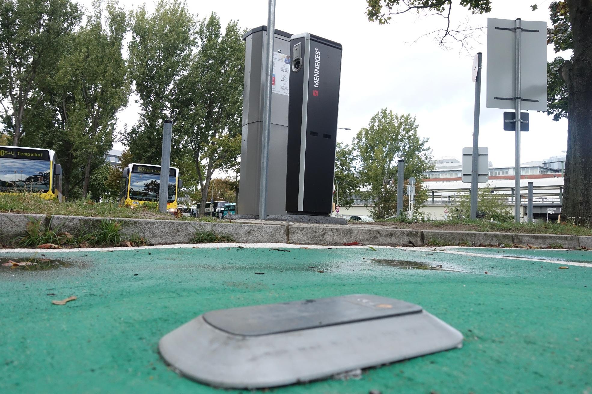 Parkplatz-Erkennung: Bosch und Siemens scheitern mit Pilotprojekten - Die Sensoren werden derzeit unter anderem am Berliner Ostbahnhof getestet. (Foto: Friedhelm Greis/Golem.de)