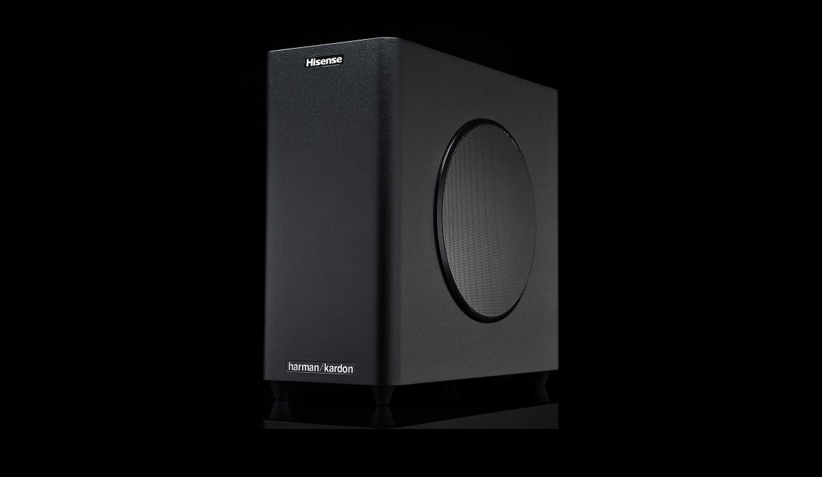 Hisense 100L8D: Laserprojektor wird zum 100-Zoll-Heimkino mit Lautsprechern - Der Subwoofer ist im Paket enhalten. (Bild: Hisense)