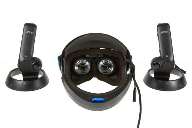 Headset plus Controller (Foto: Martin Wolf/Golem.de)