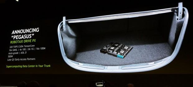 Pegasus füllt den Kofferraum nicht aus. (Foto: Nico Ernst)