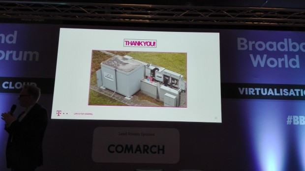 Robert Soukup, Senior Program Manager der Deutschen Telekom, zeigt Ergebnisse des Programms Access 4.0.