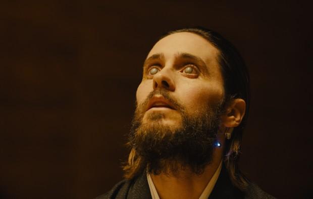 Spielt im Film nicht so eine große Rolle wie erwartet: Jared Leto als Niander Wallace. (Bild: Sony Pictures)