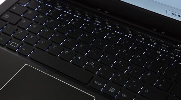 Die Beleuchtung der Tastatur lässt sich in drei Stufen einstellen. (Bild: Martin Wolf/Golem.de)