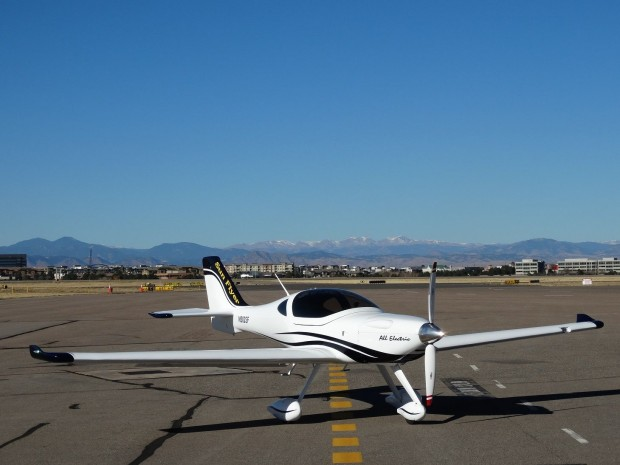 Sny Flyer 2 ist ein zweisitziges Flugzeug mit Elektroantrieb. (Foto: Bye Aerospace)