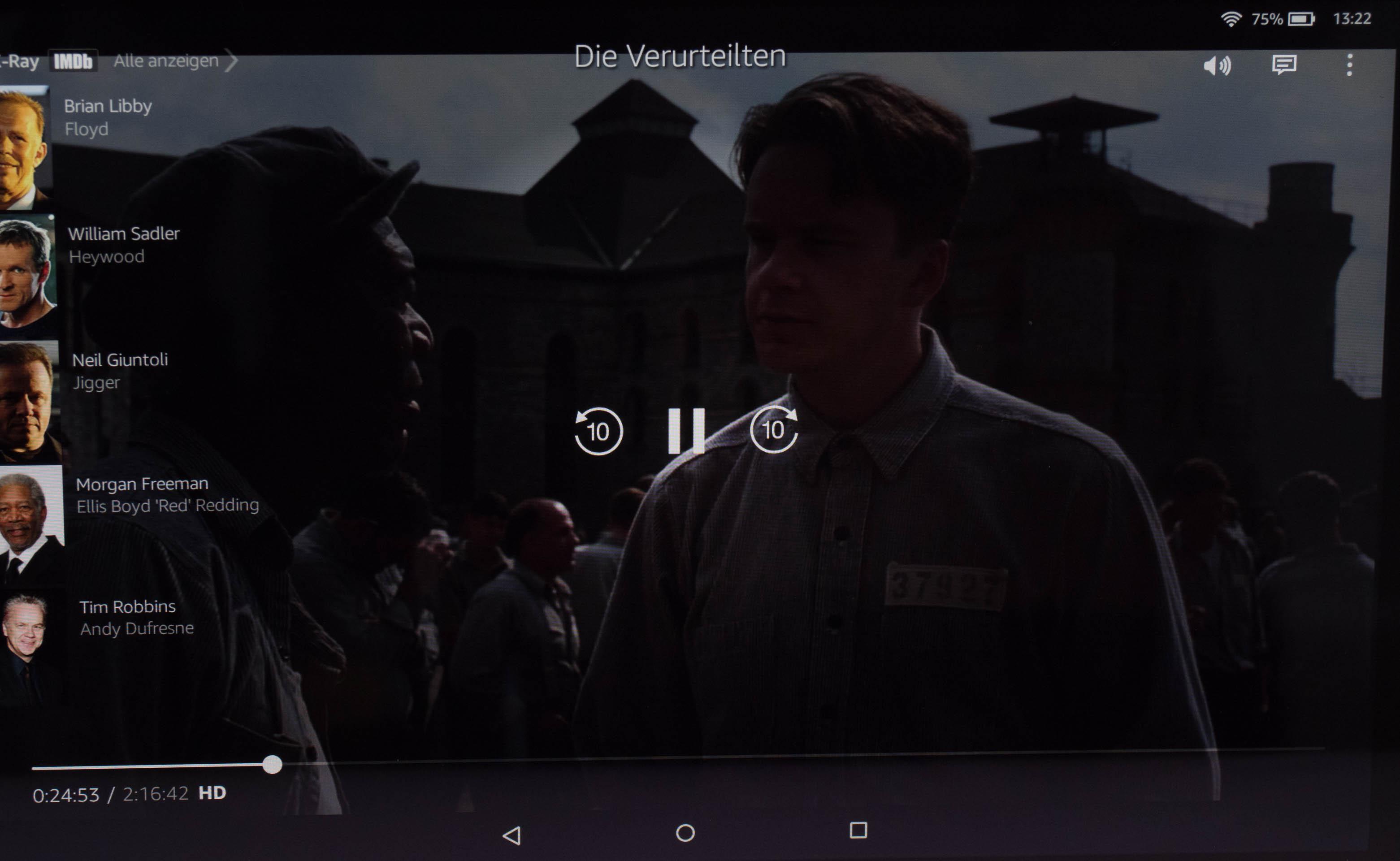 Echo Show vs. Fire HD 10 im Test: Alexa, zeig's mir! - Die Amazon-Video-App auf dem Fire HD 10 zeigt X-Ray-Informationen an. (Bild: Martin Wolf/Golem.de)