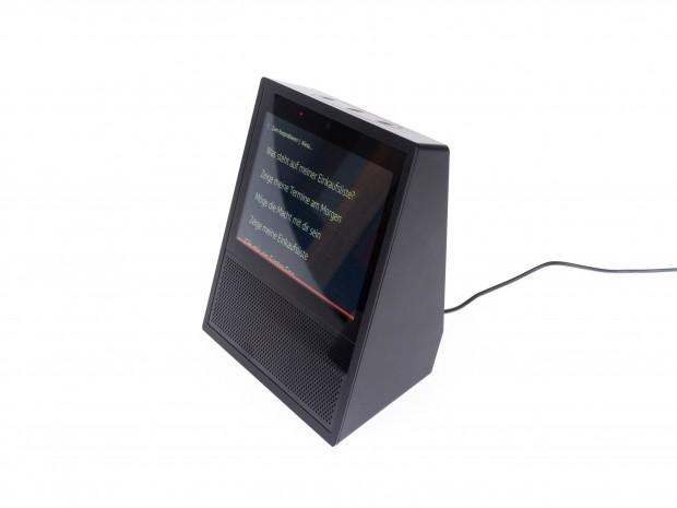 Echo Show hat ein 7-Zoll-Display mit einer Auflösung von 1.024 x 600 Pixeln. (Bild: Martin Wolf/Golem.de)