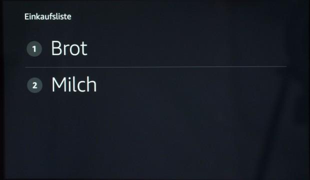 Echo Show zeigt die Einkaufsliste auf Zuruf. (Bild: Martin Wolf/Golem.de)