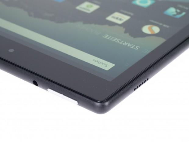 Fire HD 10 hat eine 3,5-mm-Klinkenbuchse direkt neben den Lautstärketasten. (Bild: Martin Wolf/Golem.de)