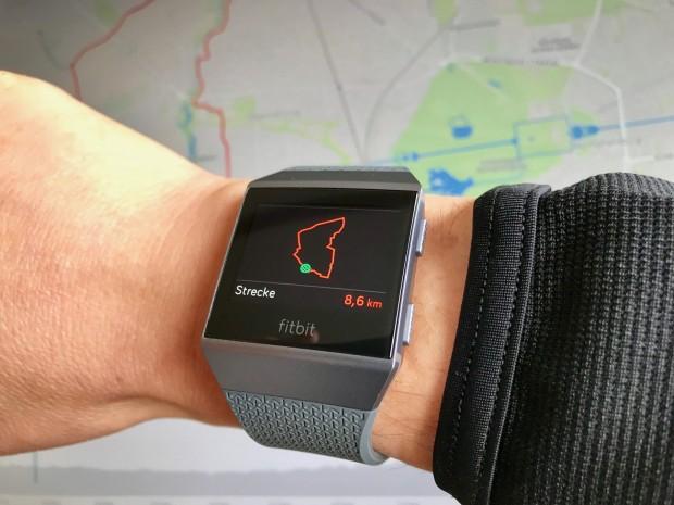 Nach dem Training ist die Route nur über die Strava-App auf der Ionic sichtbar. (Foto: Peter Steinlechner/Golem.de)