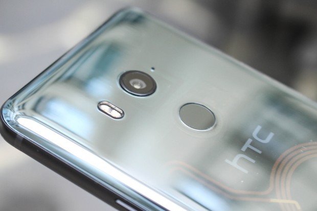 HTCs U11 Plus hat hinten eine 12-Megapixel-Kamera. (Bild: Martin Wolf/Golem.de)