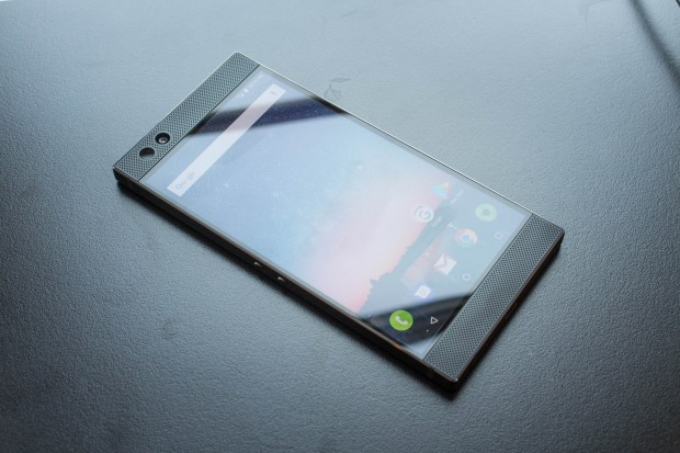 Im Inneren des Razer Phone arbeitet Qualcomms Snapdragon 835. (Bild: Martin Wolf/Golem.de)