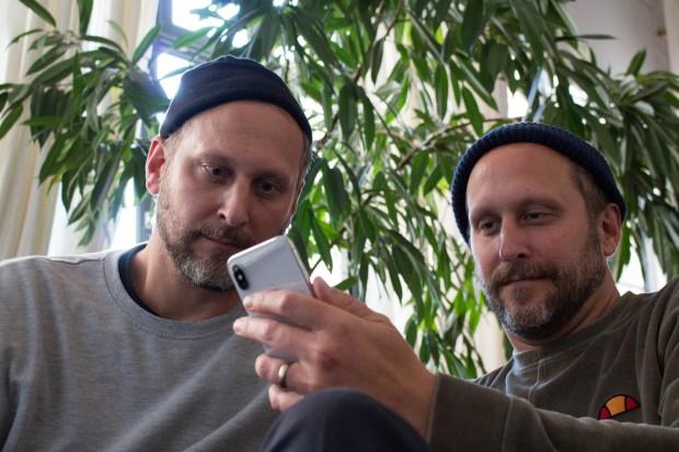 Die Gesichtserkennung Face ID lässt sich von Zwillingen austricksen. (Bild: Martin Wolf/Golem.de)