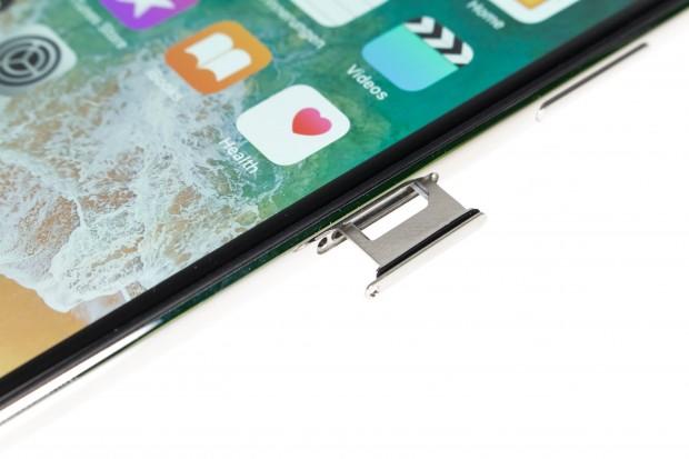 Das iPhone X ist nach IP68 vor Wasser und Staub geschützt. (Bild: Martin Wolf/Golem.de)