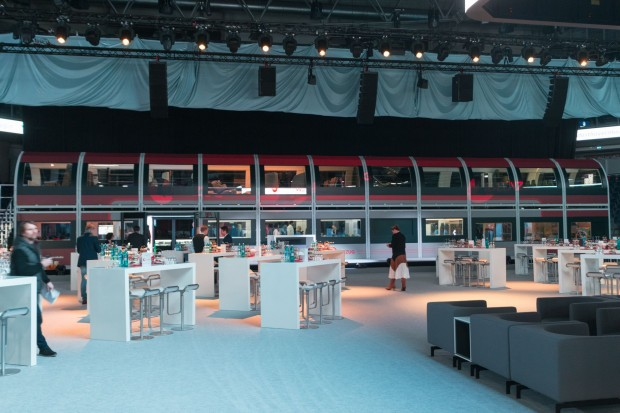 Der Ideenzug bei der Vorstellung  in Nürnberg - das Modell ist so groß wie ein Doppelstockwagen. (Foto: Werner Pluta/Golem.de)