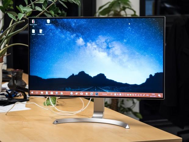 Bei der Größe ist jede Menge Platz auf dem Bildschirm. (Bild: Martin Wolf/Golem.de)