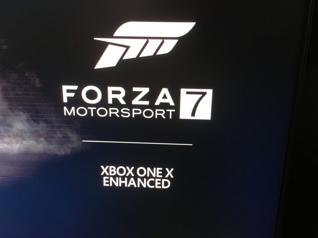 Bei Forza 7 wird deutlich auf die Verbesserung hingewiesen. (Foto: Andreas Sebayang/Golem.de)