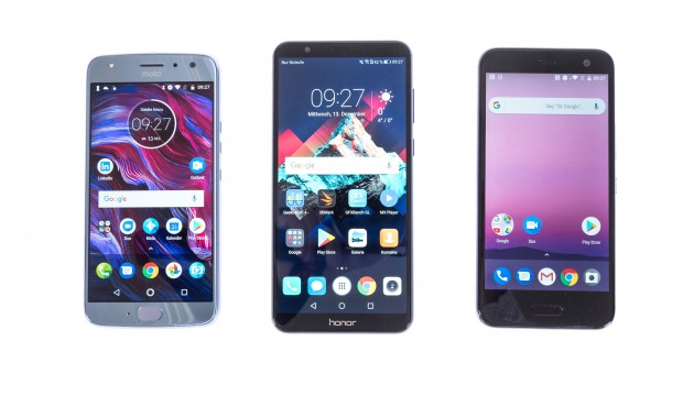 Das Moto X4, das Honor 7X und das HTC U11 Life (Bild: Martin Wolf/Golem.de)