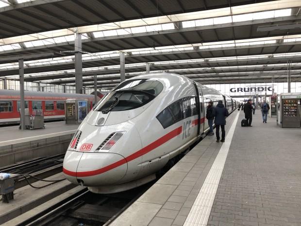 Unser ICE 3 nach Berlin  (Foto: Andreas Sebayang/Golem.de)