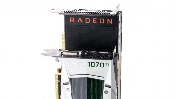 Geforce GTX 1070 Ti und Radeon RX Vega 56 (Foto: Martin Wolf/Golem.de)