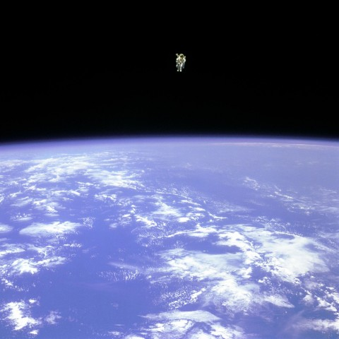 Bruce McCandless schwebte am 7. Februar 1984 ungesichert im All. (Foto: Nasa)