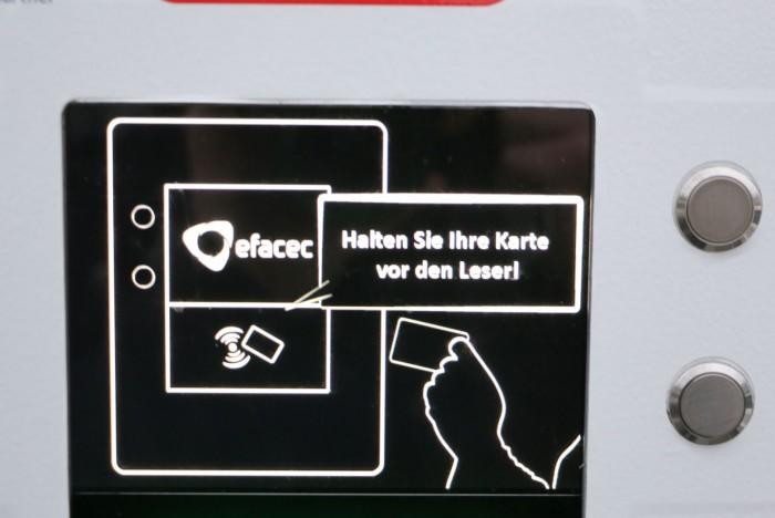 Bei vielen Ladesäulen muss sich der E-Auto-Fahrer mit einer Karte authentifizieren. (Foto: Friedhelm Greis/Golem.de)