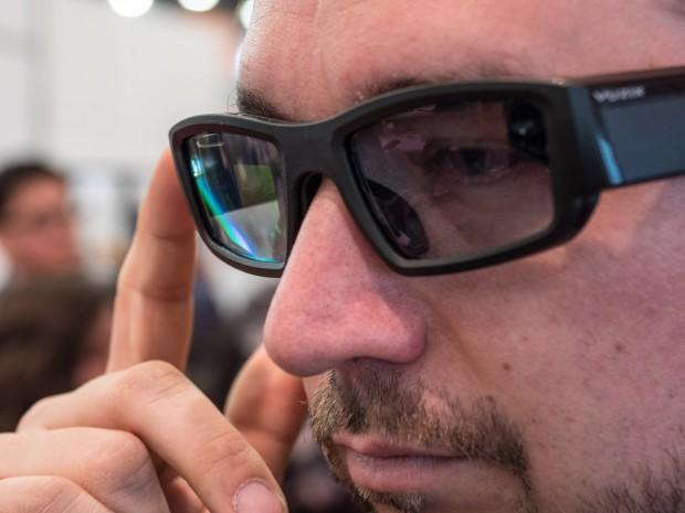 Vuzix' neue Datenbrille Blade (Bild: Martin Wolf/Golem.de)