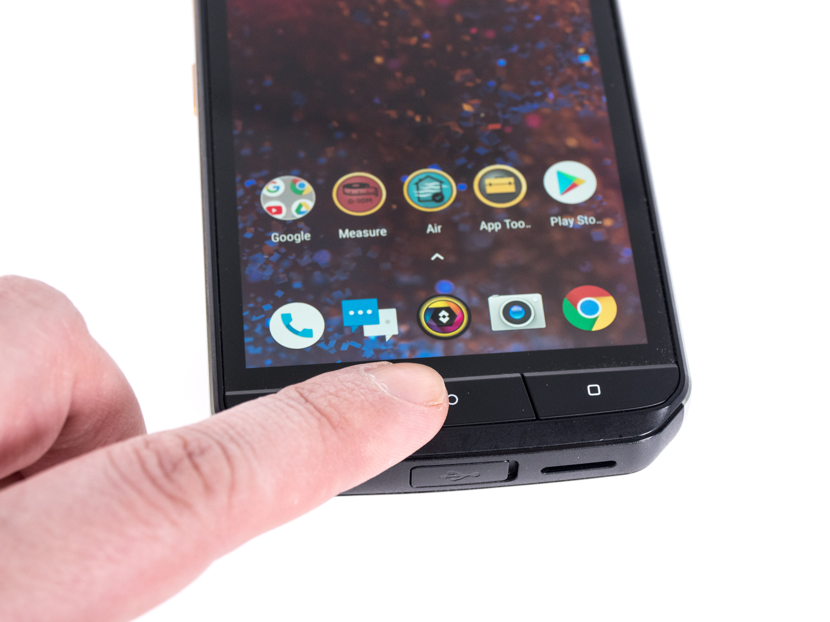 Cat S61 im Hands on: Smartphone kann Luftreinheit und Entfernungen messen - Cat S61 (Bild: Martin Wolf/Golem.de)