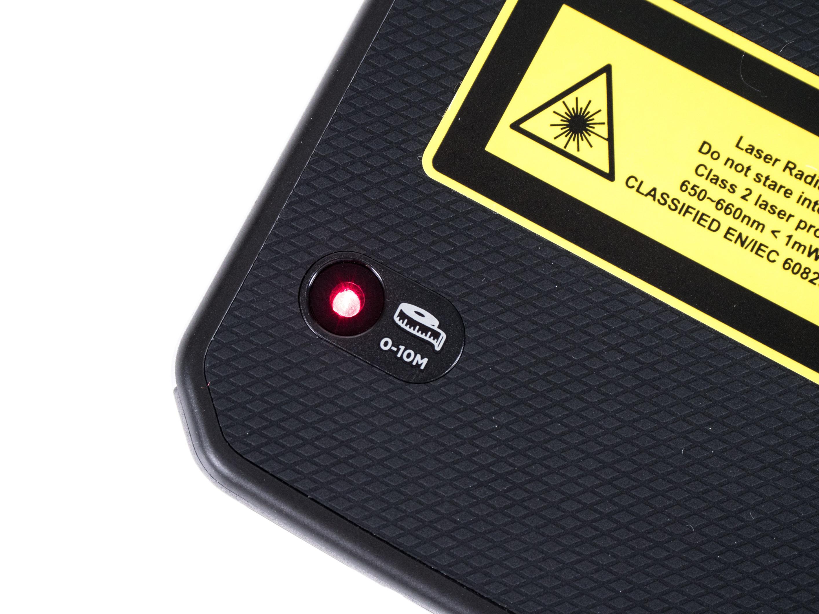 Cat S61 im Hands on: Smartphone kann Luftreinheit und Entfernungen messen - S61 hat einen Laser-Entfernungsmesser. (Bild: Martin Wolf/Golem.de)
