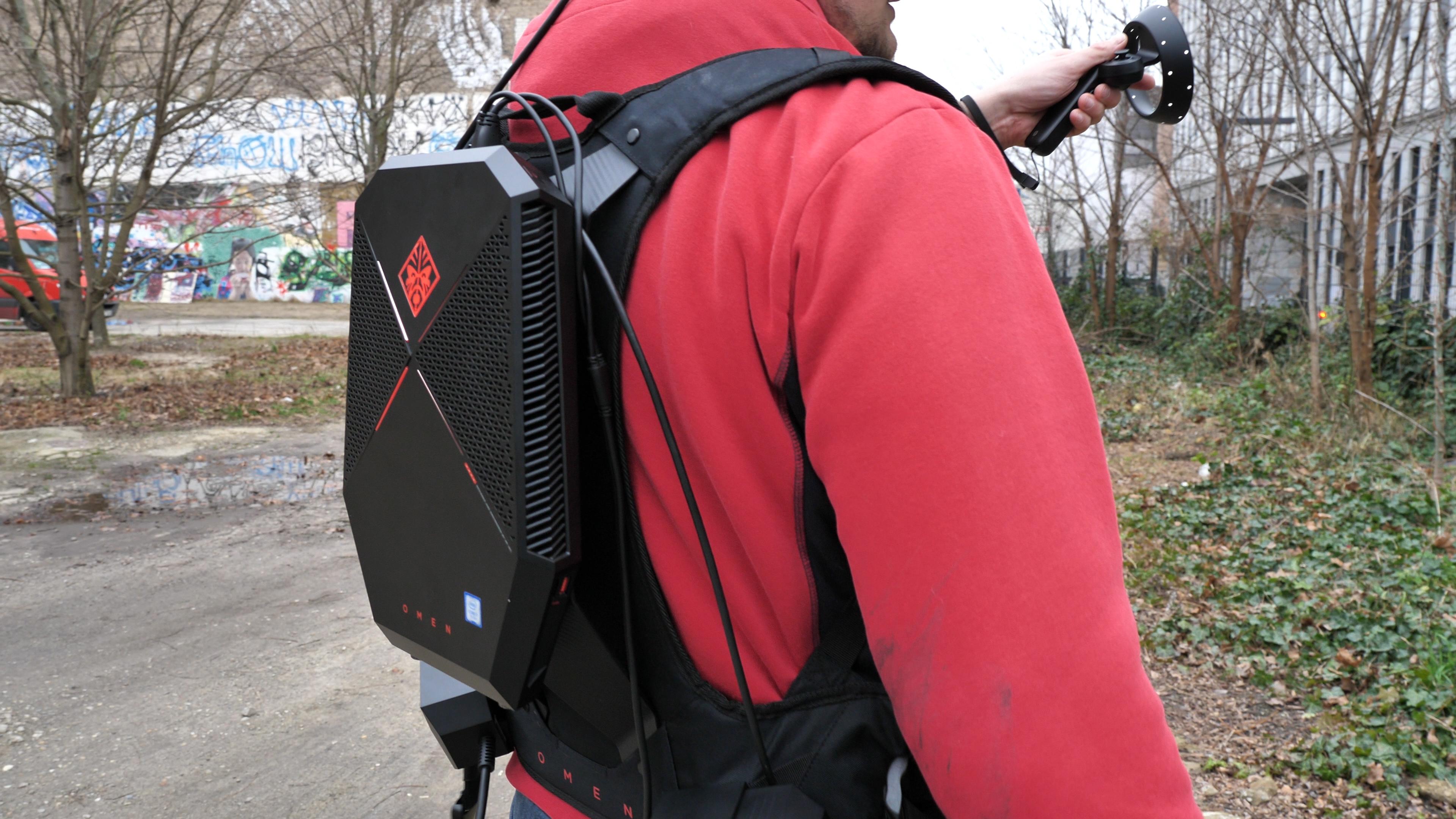 HP Omen X VR im Test: VR auf dem Rücken kann nur teils entzücken - Der Rucksack-PC ist sehr komfortabel.  (Bild: Martin Wolf/Golem.de)