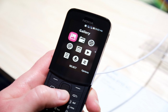 Nokia 8110 4G von HMD Global (Bild: Michael Wieczorek/Golem.de)