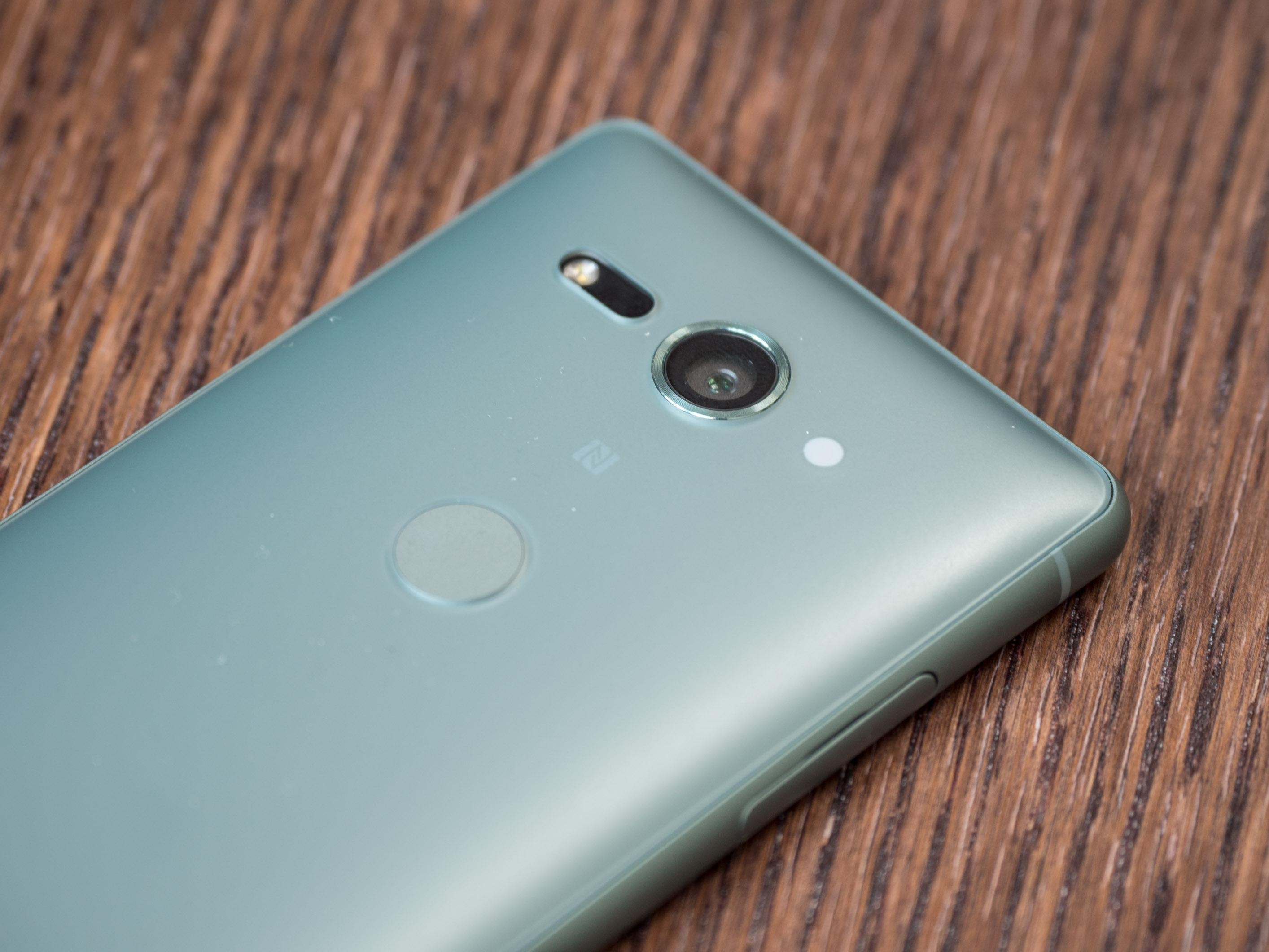 Xperia XZ2 Compact im Hands on: Sony schrumpft wieder das Oberklasse-Smartphone - Die Kamera ist das gleiche 19-Megapixel-Modul wie beim Xperia XZ2. (Bild: Martin Wolf/Golem.de)