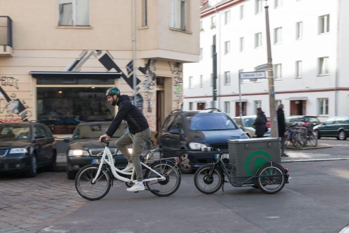 Er wird ganz ökologisch mit dem Fahrrad zum Einsatz gezogen. (Foto: Werner Pluta/Golem.de)