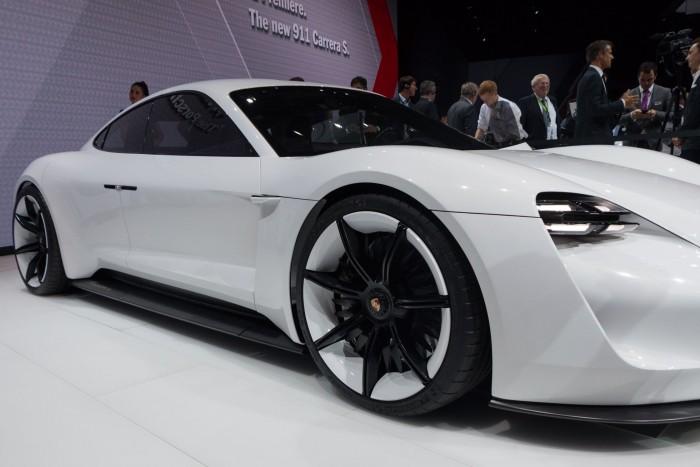 Der Elektro-Porsche soll wie ein Porsche klingen ... (Foto: Werner Pluta/Golem.de)