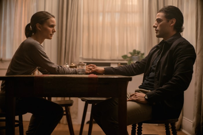 Lena (Natalie Portman) und Ehemann Kane (Oscar Isaac) nach dessen Rückkehr aus dem Schimmer (Bild: Netflix)