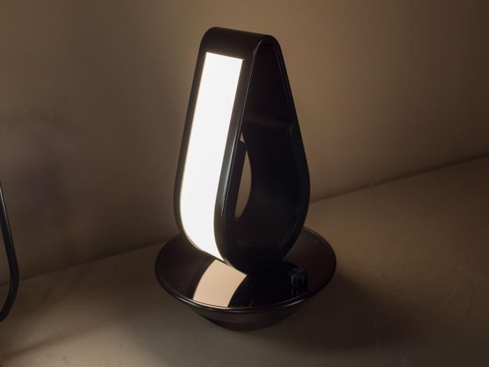 Die OLED-Fläche vibriert spürbar. (Bild: Martin Wolf/Golem.de)