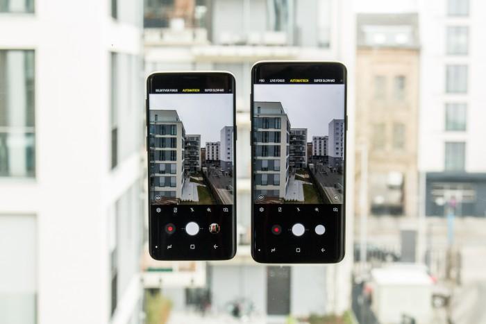 Links das Galaxy S9, rechts das Galaxy S9+ (Bild: Tobias Költzsch/Golem.de)