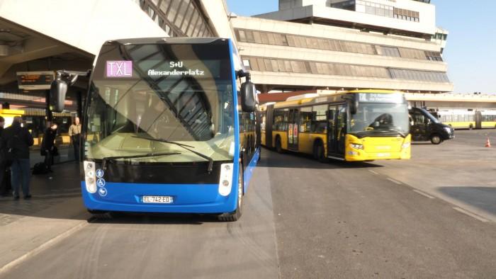 Die Eltern des Busses seien TGV, Nahverkehrszüge und Straßenbahnen, sagt Jörg Nikutta, Chef von Alstom in Deutschland. (Foto: Martin Wolf/Golem.de)