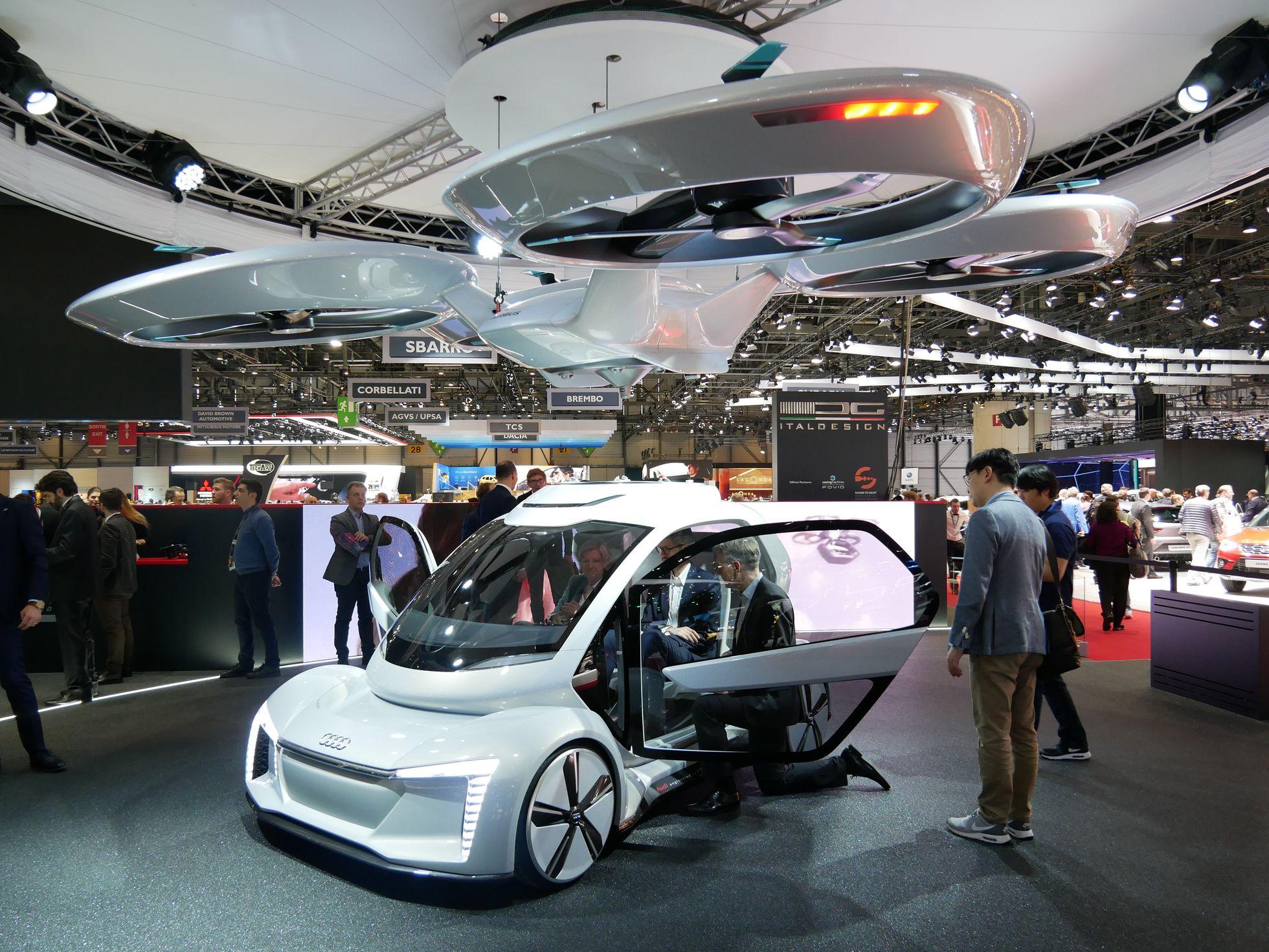 PAL-V: Abheben mit dem Flugauto - Ein Auto mit einem Rotoraufsatz - das Konzept stammt von Audi und Airbus. (Foto: Dirk Kunde)
