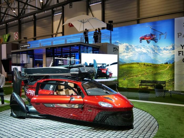Das Flugauto PAL-V ist eine Mischung aus Auto und Gyrokopter. (Foto: Dirk Kunde)