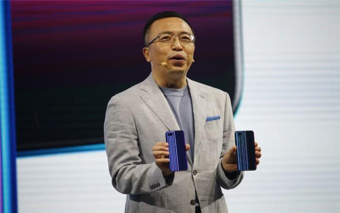 Honor-Chef George Zhao präsentiert das Honor 10. (Bild: Honor)