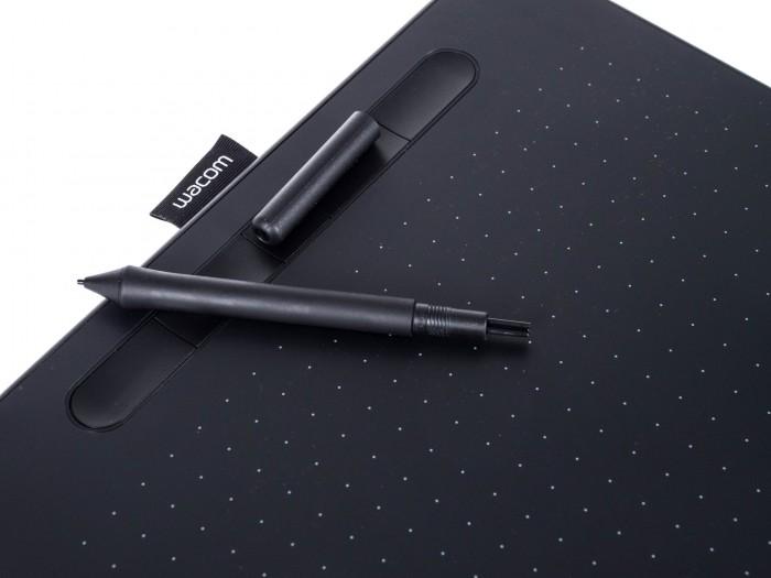 Die Stiftspitzen sind im Stift versteckt. (Bild: Martin Wolf/Golem.de)