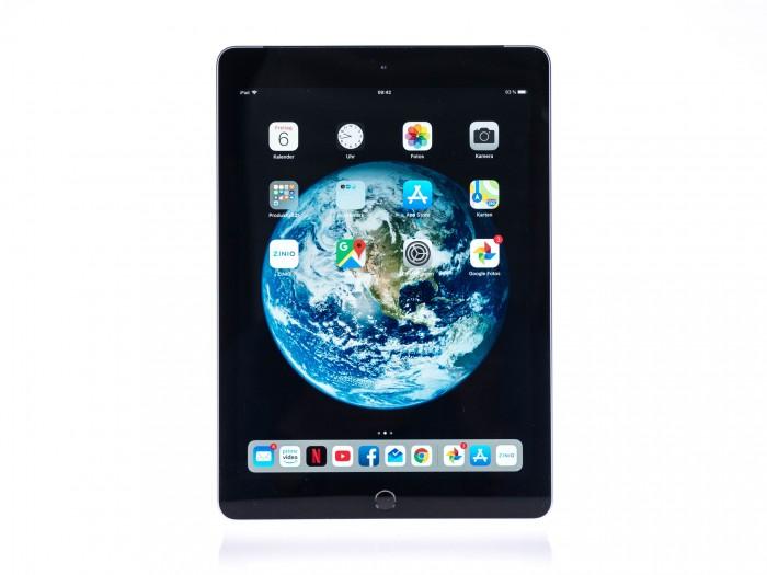 Das Tablet hat ein 9,7 Zoll großes Display. (Bild: Martin Wolf/Golem.de)