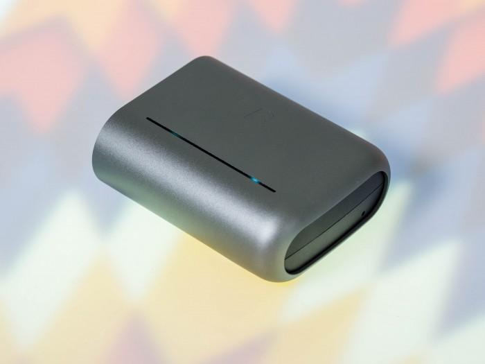 Das Ladeetui für das Dash Pro ist besonders groß. (Bild: Martin Wolf/Golem.de)